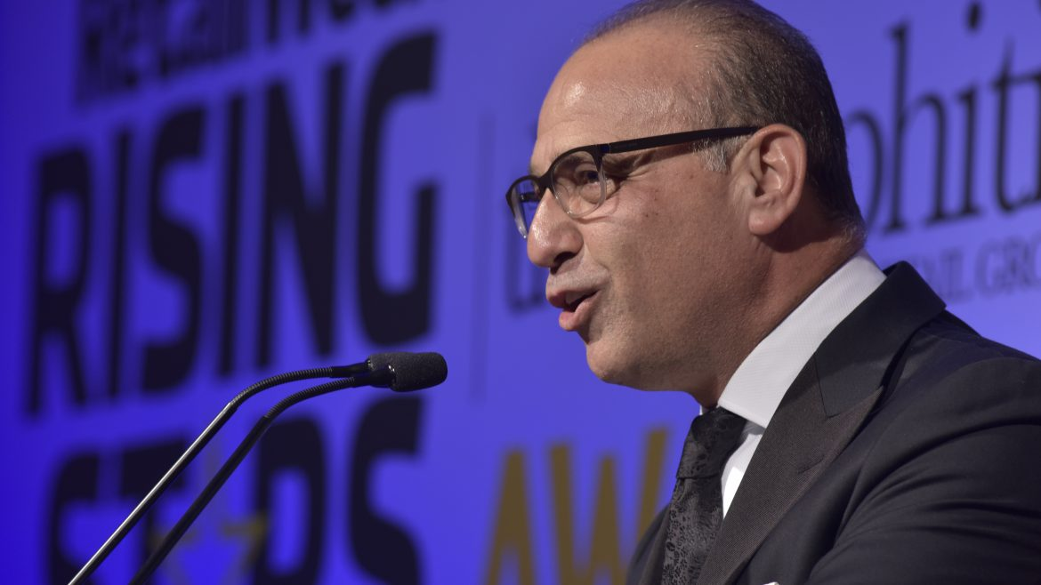 Theo+Paphitis+giving+a+speech+in